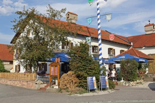 K1600_Gasthaus Meinzer Biergarten150823-07